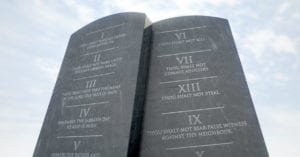 Read more about the article The 10 Commandments of Carrying